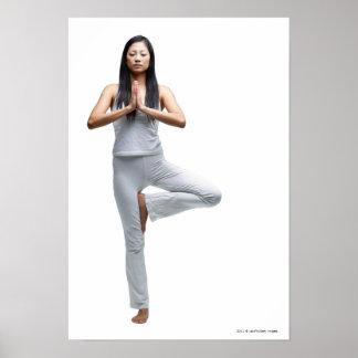 Kvinnaanseende i yoga placerar poster