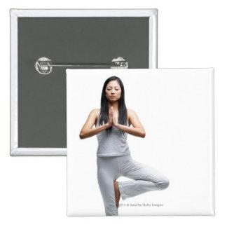 Kvinnaanseende i yoga placerar standard kanpp fyrkantig 5.1 cm