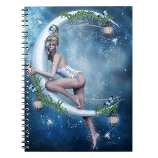 Kvinnlig älvamåneanteckningsbok anteckningsbok med spiral