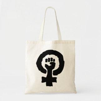 Kvinnlig symbolsolidaritet räcker tygkasse