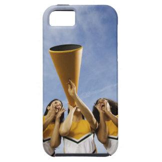 Kvinnliga hejaklacksledarear som ropar till och me iPhone 5 cover