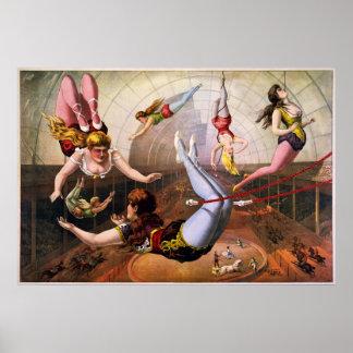 Kvinnliga trapezeakrobater på cirkusen poster