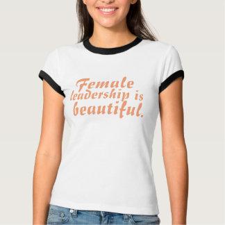 Kvinnligt ledarskap är den härliga utslagsplatsen t-shirt
