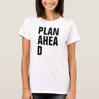 Kvinnor planerar framåt med snitt av D Tee Shirts