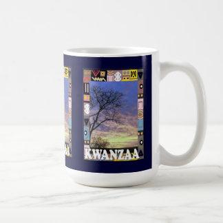 Kwanzaa mugg, i busken kaffemugg