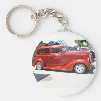Kyla mycket, den mycket gammala bilen, keychain rund nyckelring