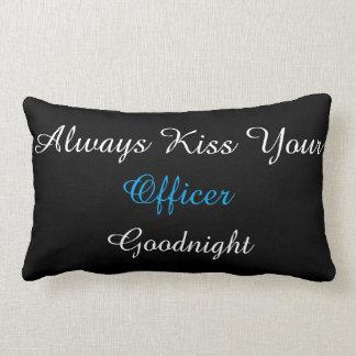 Kyssa alltid ditt kommenderar Goodnight lumbaren Lumbarkudde