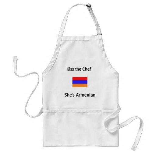 Kyssa kocken, henne är armeniskt förkläde