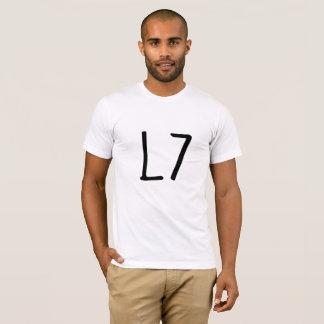 L 7 kvadrerar den roliga skjortan tröjor