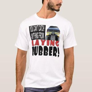 Lägga gummi tee shirt