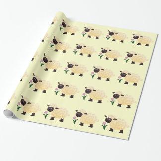 Lamb som slår in papper presentpapper