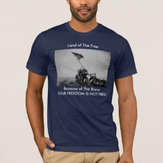"""""""Land av det fritt, på grund av det modiga"""" Iwoet Tee Shirts"""