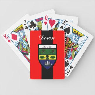 Länet besegrar att leka kort spelkort