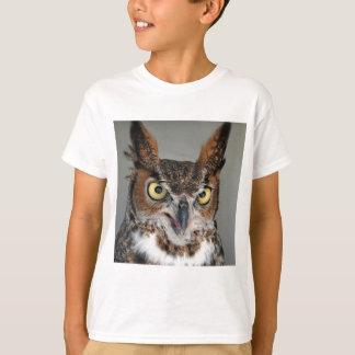 Lång gå i ax uggla tee shirts