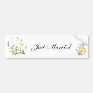 Lantlig blommabukett för ny gifta bildekal