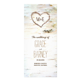 Lantliga bröllopsprogram för björkträdhjärta reklamkort