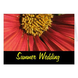 Lantligt rött bröllop hälsningskort