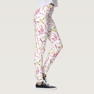 Läppstift kommenterar & kanttryckkyssar på vit leggings