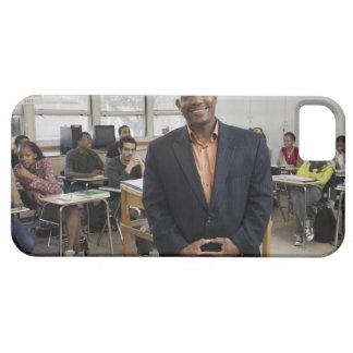 Lärare i klassrum med studenter iPhone 5 cover