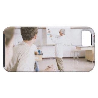 Lärare och studenter i labb 2 iPhone 5 cases
