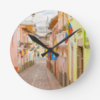 LaRonda gata Quito Ecuador Rund Klocka