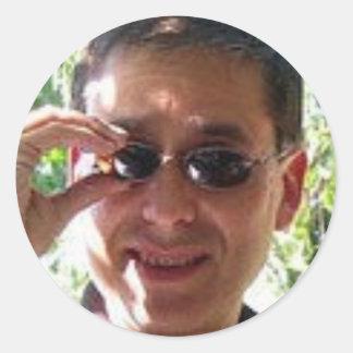 Larry Rosen med solglasögon Runt Klistermärke