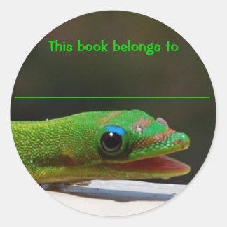 Läs- reptil som denna bok hör hemma till runt klistermärke