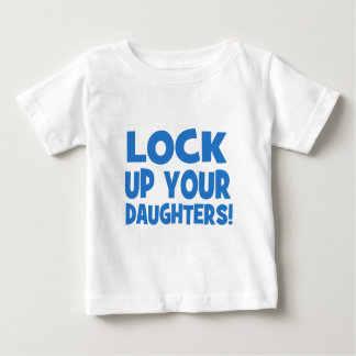 Låsa upp dina döttrar! t shirts