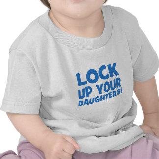 Låsa upp dina döttrar! tröjor
