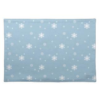 Låt det snöa snöflingormönster på blått, vinter bordstablett