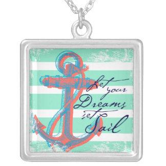 Låt din drömuppsättning segla silverpläterat halsband