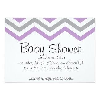 Lavendel och inbjudningar för gråttsparrebaby