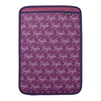 Layla - modern Calligraphynamndesign MacBook Sleeve