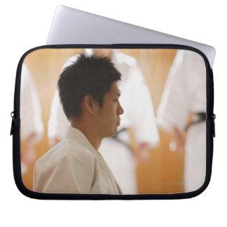 Ledar- knäfalla för Judo på ett mattt Laptop Fodral