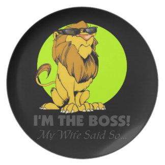 Lejon stolt grabb för chef tallrik