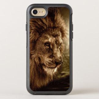 Lejont mot stormig himmel OtterBox symmetry iPhone 7 skal