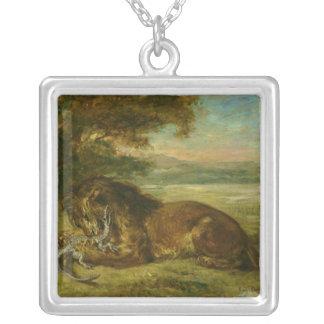 Lejont och alligator, 1863 silverpläterat halsband