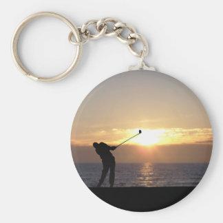 Leka Golf på solnedgången Rund Nyckelring
