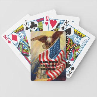 Leka kort med örnen som försvarar med det enda spelkort