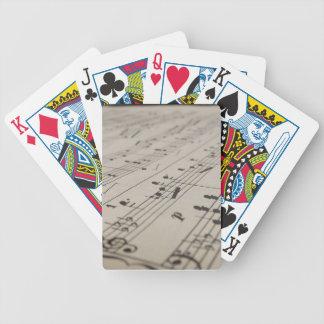 Leka mig en sång som leker kort spelkort