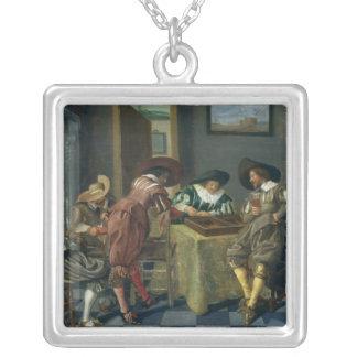 Leken av Backgammon Silverpläterat Halsband