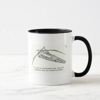 Leonardos Da Vinci designer för en Ornithopter Mugg