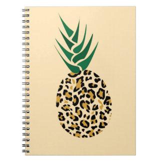 Leopard eller ananas? Rolig illusionbild Anteckningsbok