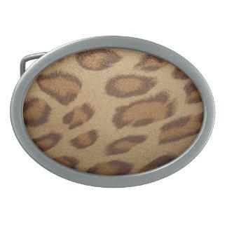 Leopardbältet spänner fast