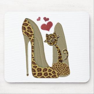 Leopardstiletten skor och kattkonst musmatta
