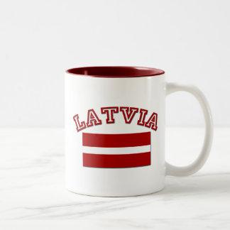 Lettland flagga 2 Två-Tonad mugg