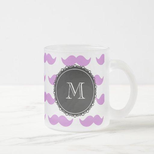 Lila mustaschmönster, svart vitMonogram Kaffe Muggar