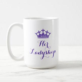 Lilablomman krönar som henne, skrivar en ladys kaffemugg