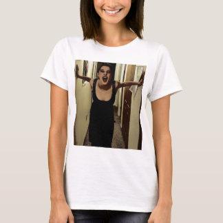 Lilja den skämtsamma flickan tshirts