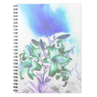 Liljar och röker anteckningsbok med spiral